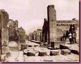 765px-Sommer,_Giorgio_(1834-1914)_-_n__1297_-_Pompei_-_Strada_di_Stabia