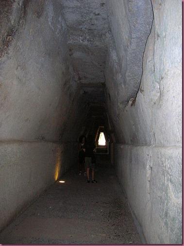 448px-Cueva_de_sibila_DSCN3814
