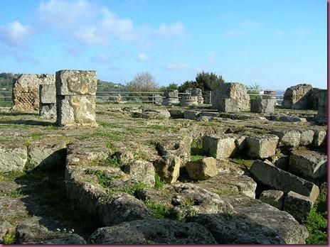 Apollo_temple in Cuma