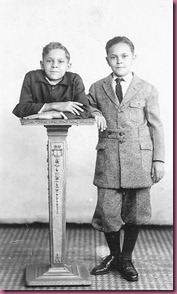 "Johnny Eck the ""Half-Boy"" with his twin brother Robert"